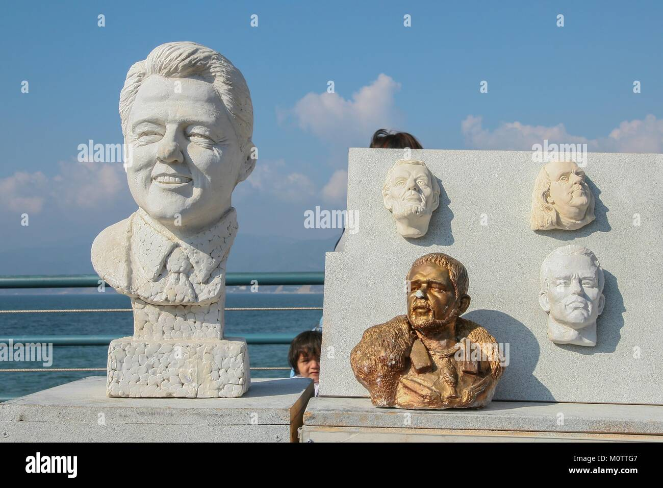 Faces in clay of some personages from the world of entertainment, politics and culture of the United States, molded - Stock Image