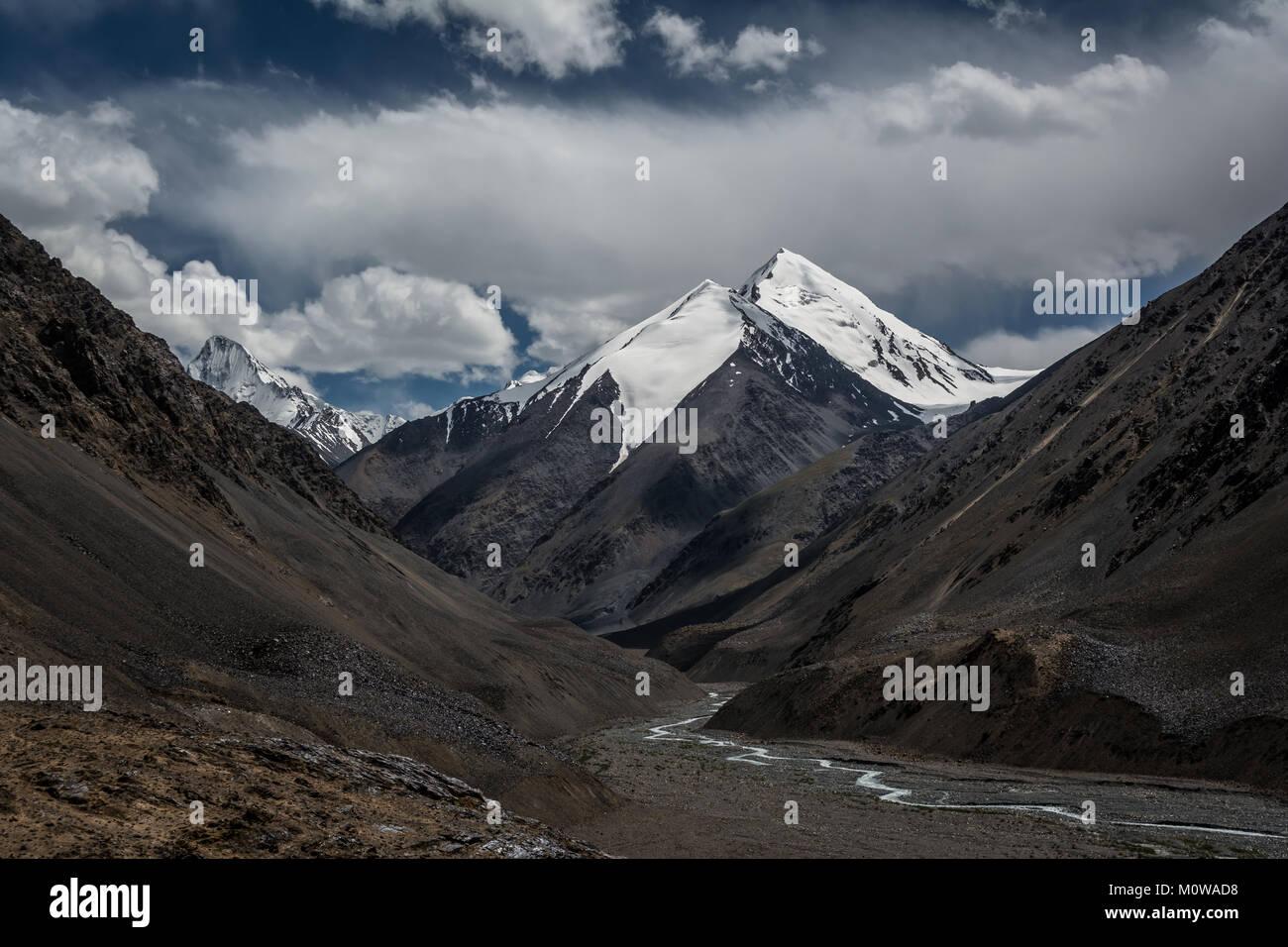 Chapchingal Sar I (Altitude: 6483 meters), Pakistan. The peak in the Karakoram range with a beautiful shape, stands - Stock Image