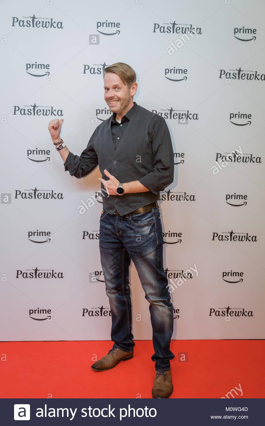 Erik Haffner beim Fotocall und Premiere für die neue Staffel der Sitcom Pastewka im Kino International in Berlin. - Stock Image