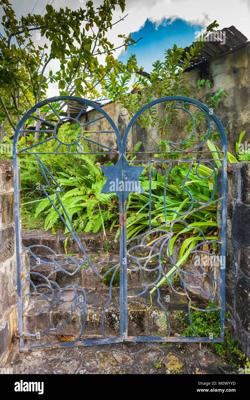 Netherlands,Sint Eustatius,Oranjestad,Jewish Cemetery,used from 1742-1843,gates - Stock Image