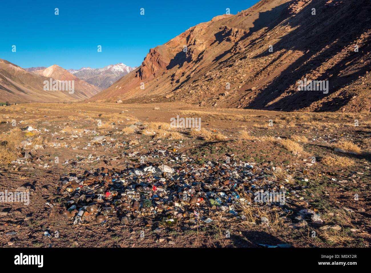 Argentina,Mendoza province,pollution in Aconcagua Pronvicial Park,garbage dump - Stock Image