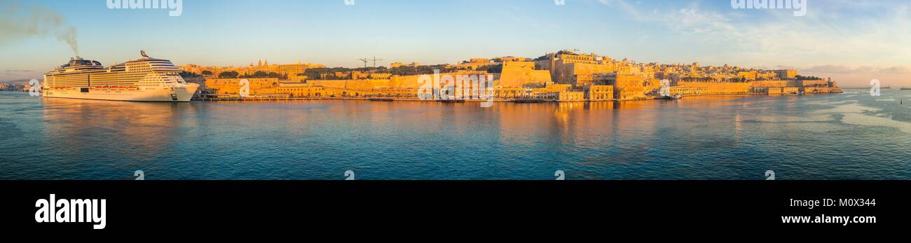 Malta,Valletta,listed as World Heritage by UNESCO,Grand Harbour,cruise liner - Stock Image