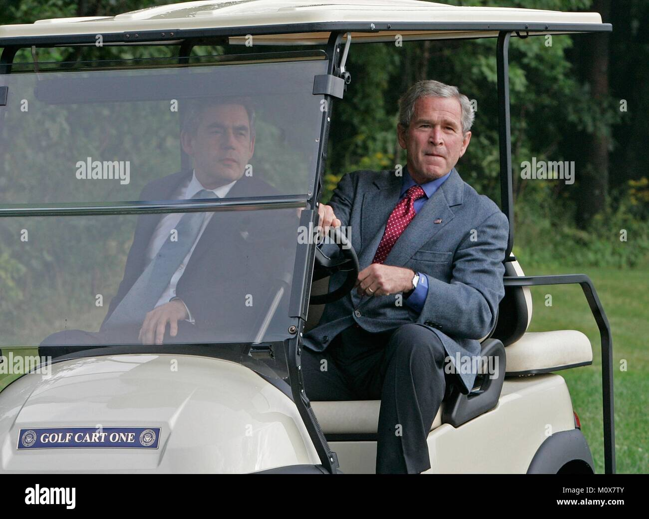 CAMP DAVID, MD - JULY 29: (AFP OUT) U.S. President George W. Bush (R) gives British Prime Minister Gordon Brown - Stock Image