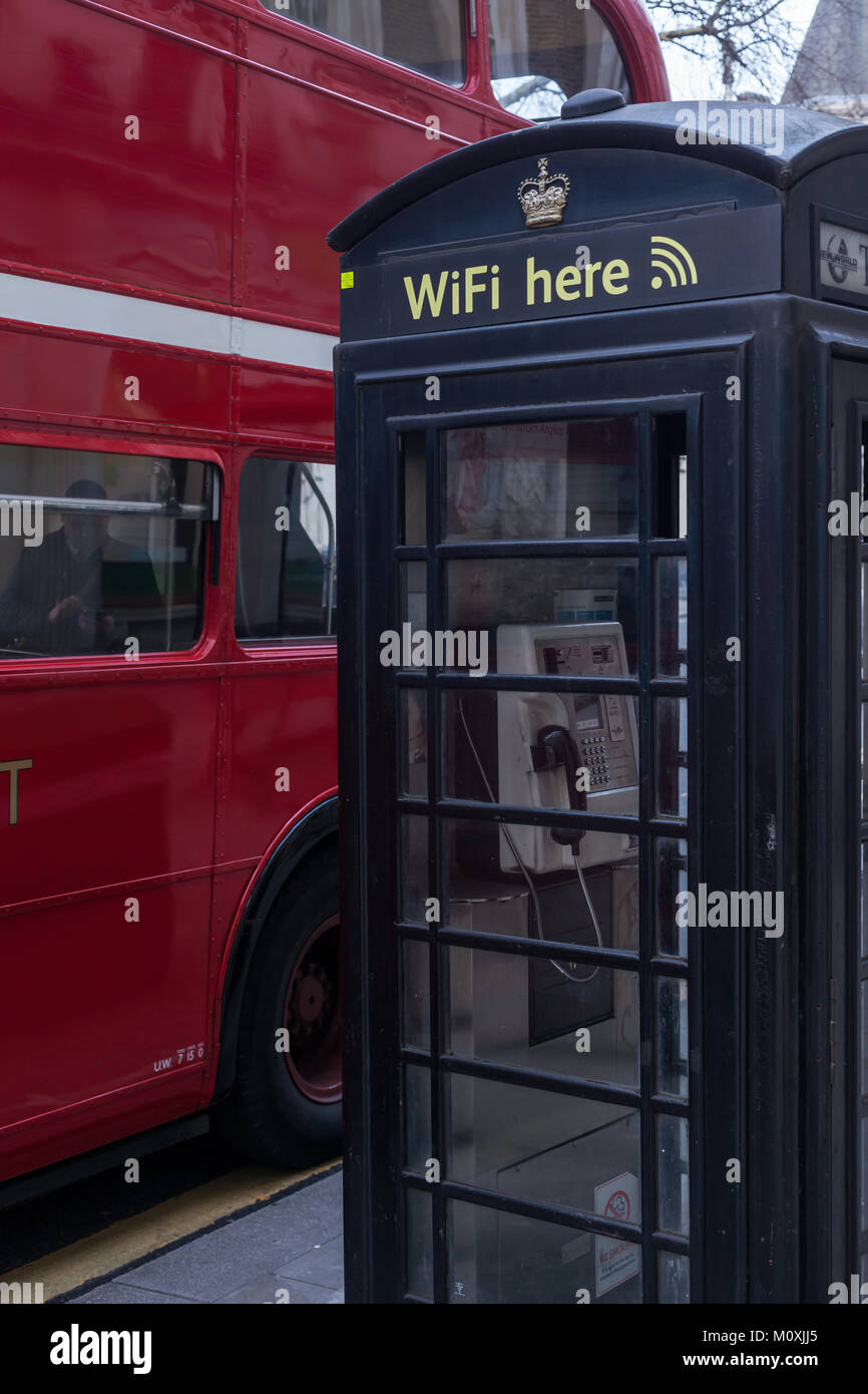 London - bus and phone box - Stock Image