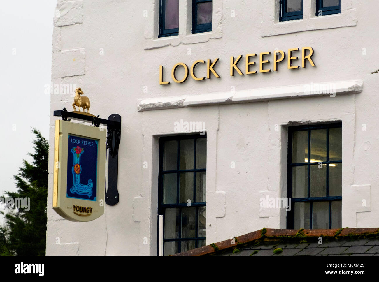 The Lock Keeper, a pub on the canal side at Keynsham between Bath and Bristol - Stock Image