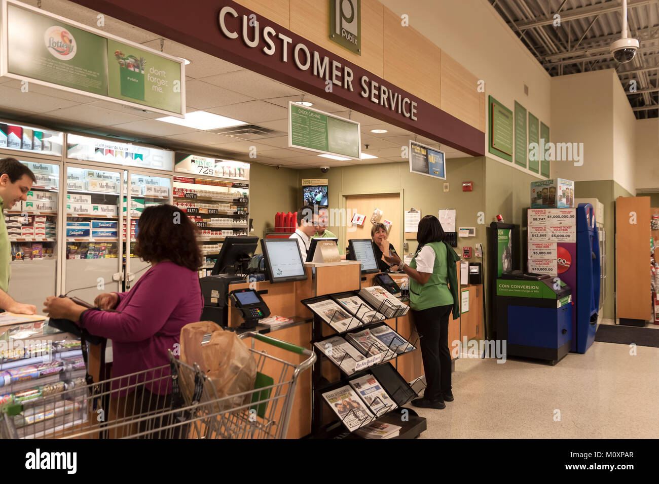 Customer Service desk that handles returns and complaints in a Publix Supermarket in Florida, United States of America. - Stock Image