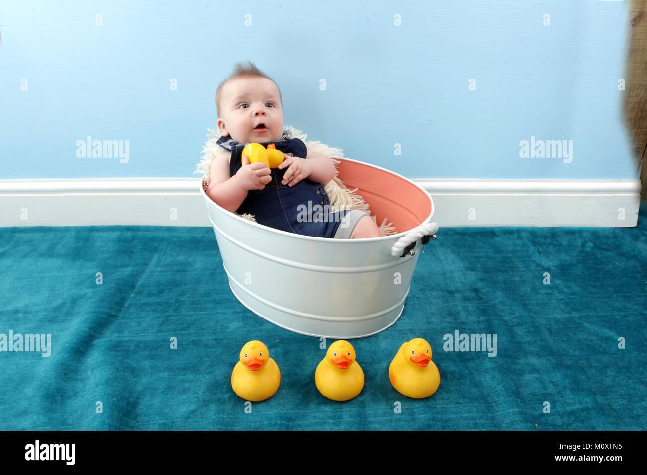 Tummy Tub Stock Photos & Tummy Tub Stock Images - Alamy