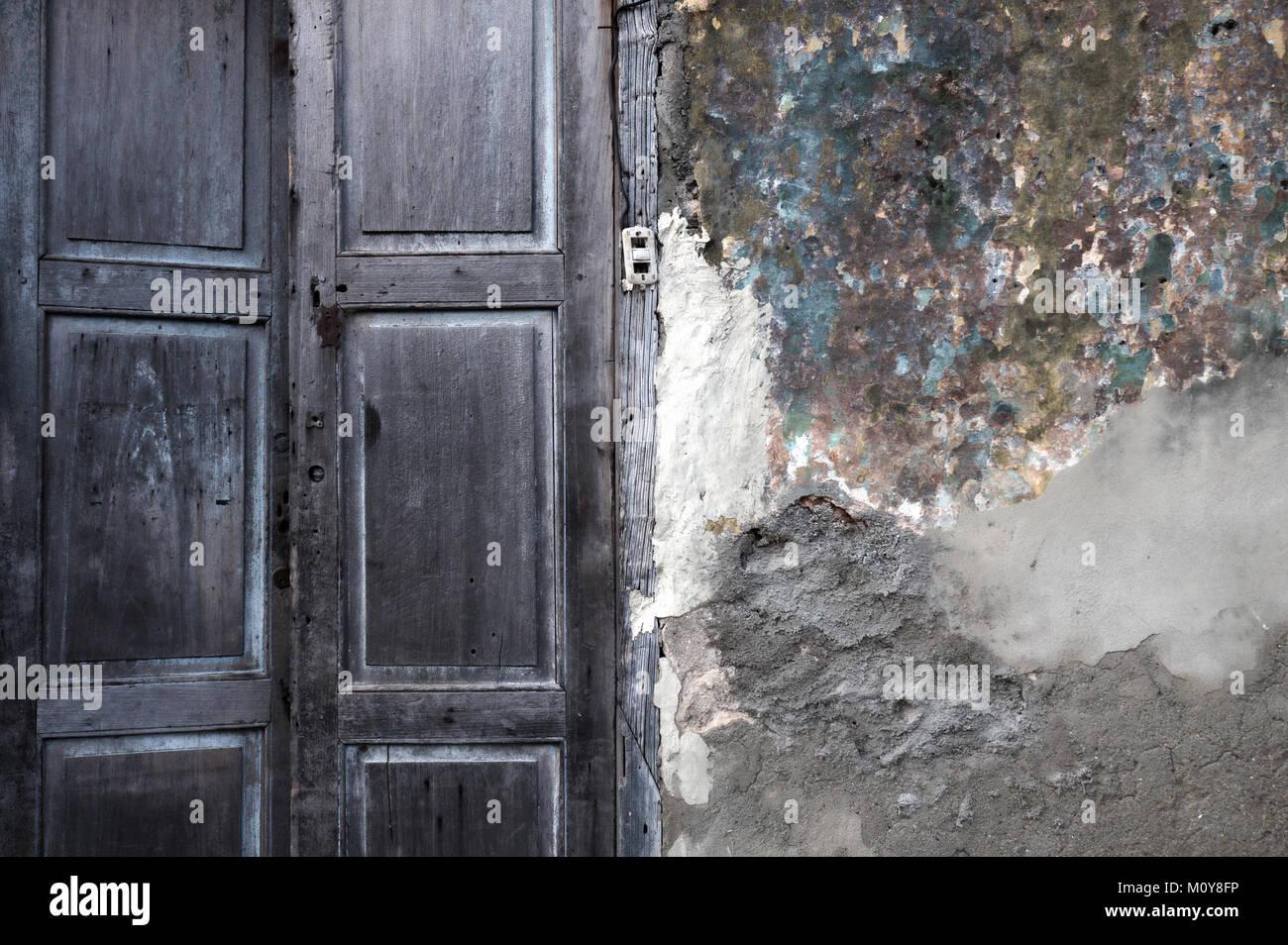Colourful decrepid old building doors in Trinidad, Cuba Stock Photo