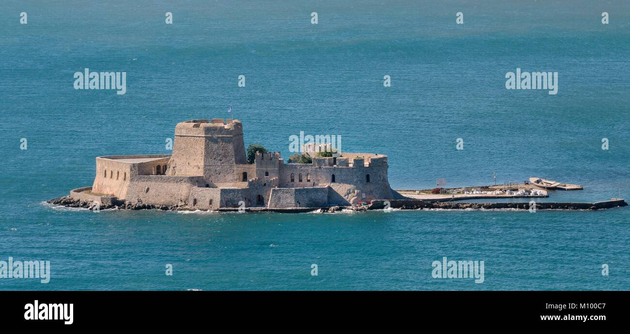 Overview of Bourtzi Island, a Venetian fortress once used as a prison, in the Argolic Gulf, Nafplio, Argolis, Peloponnese, - Stock Image