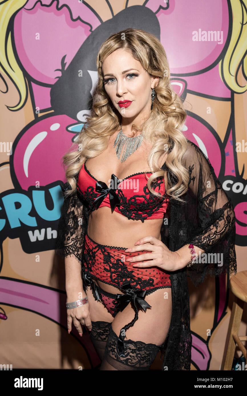Crista Flanagan nude (11 photo) Is a cute, Snapchat, underwear