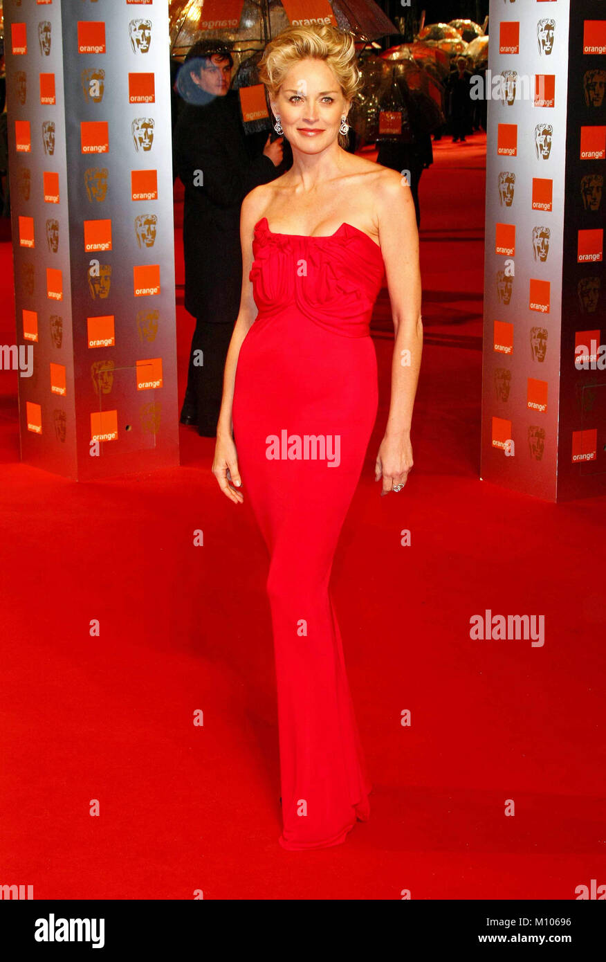Bafta 2009 Stock Photos Images Alamy Jolie Clothing Aftan Dress Sharon Stone Arrives For The British Academy Of Film And Television Arts Annual