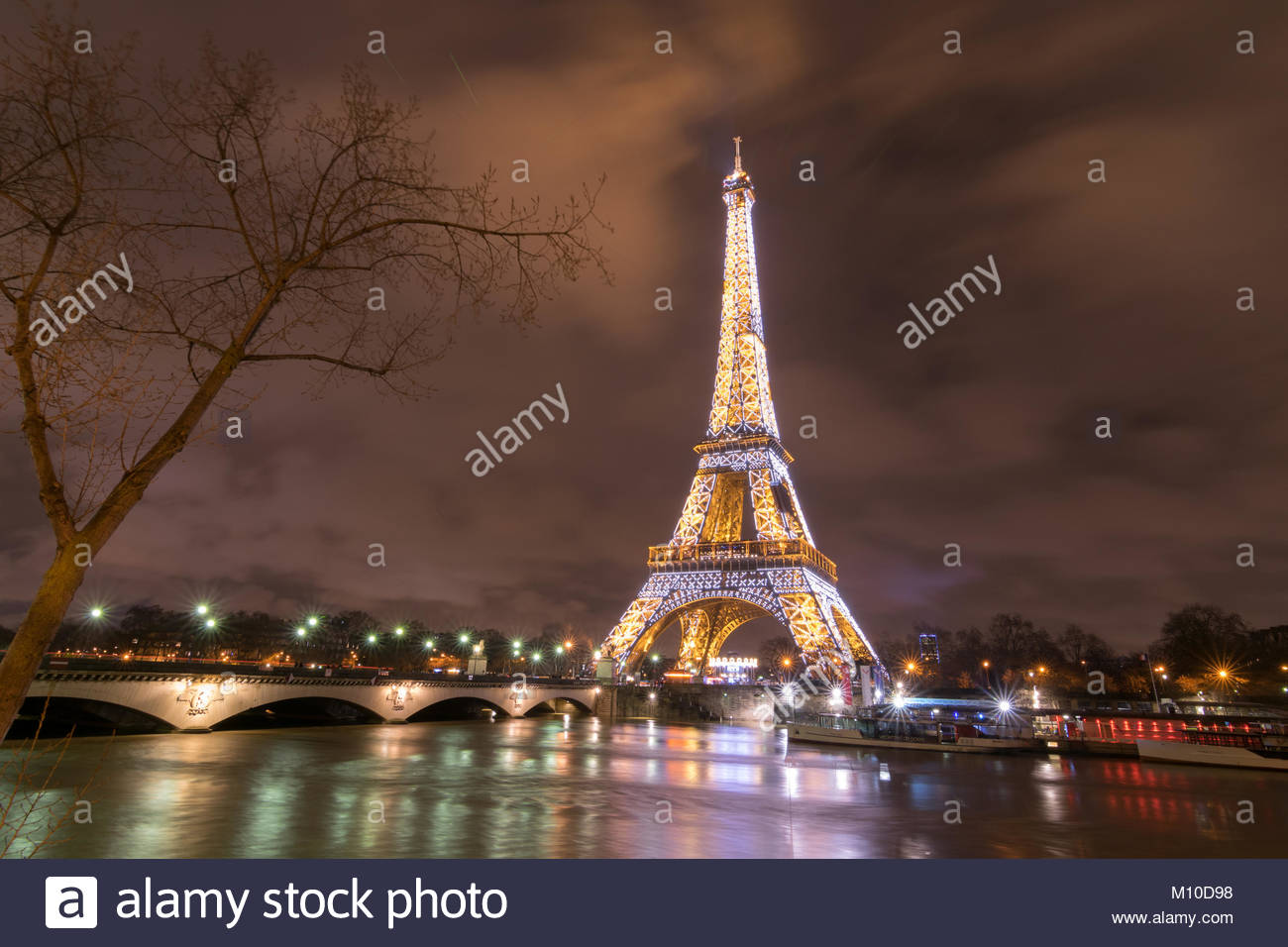 Paris, France. 25th Jan, 2018. Flood water rising in Paris, River Seine in flood January 25 2018 Credit: RichFearon/Alamy - Stock Image