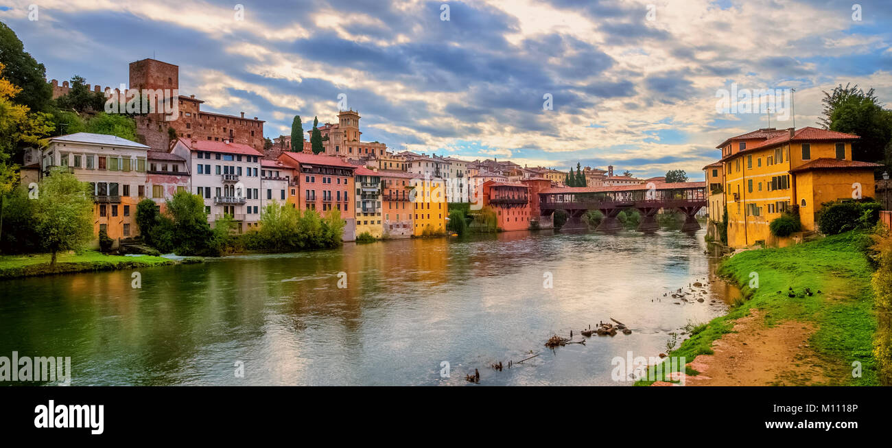Alpini stock photos alpini stock images alamy - Cucine bassano del grappa ...