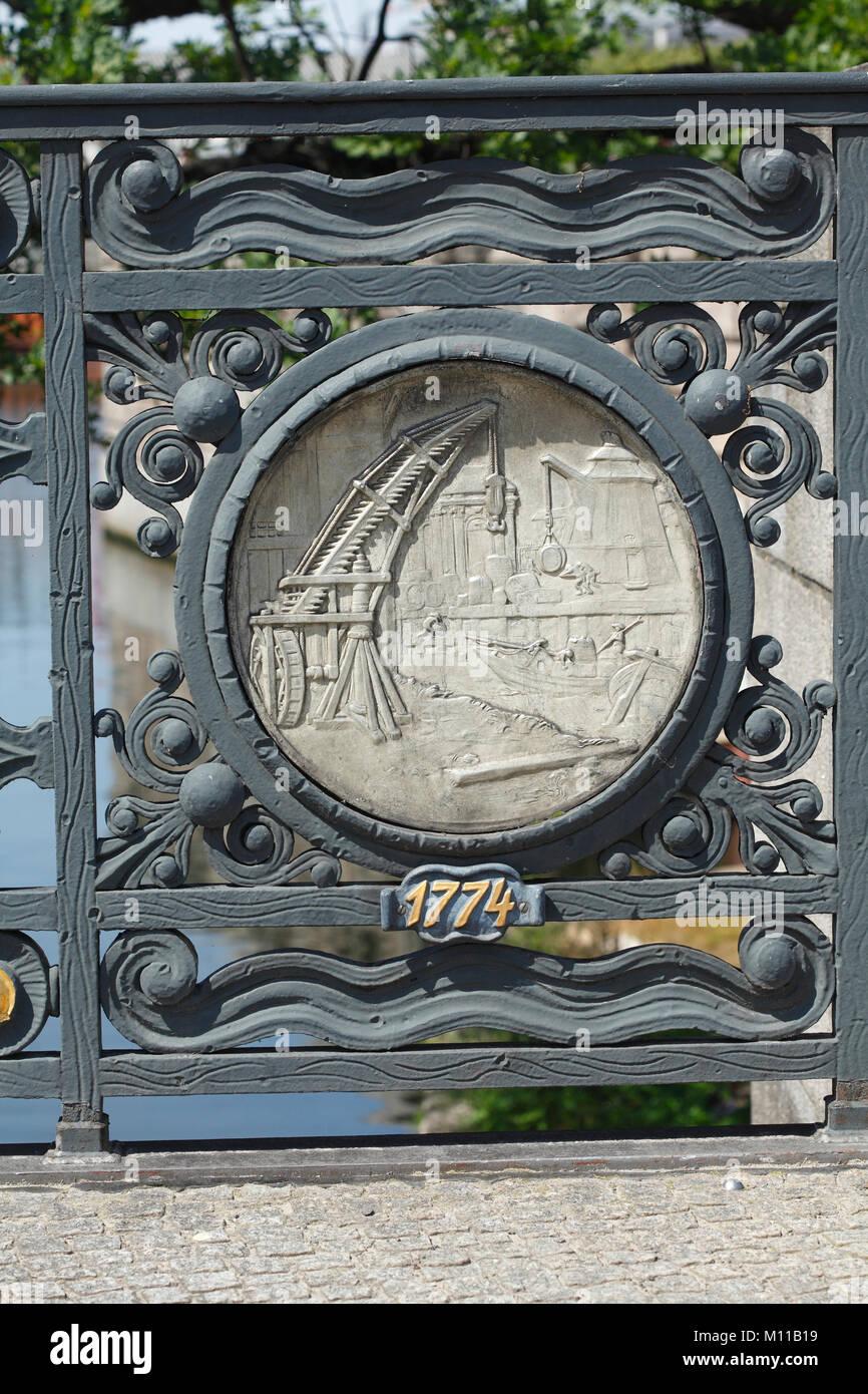 Old Detail at Mühlendammbrücke, Berlin, Germany, europe I Historisches Relief am verzierten Geländer - Stock Image