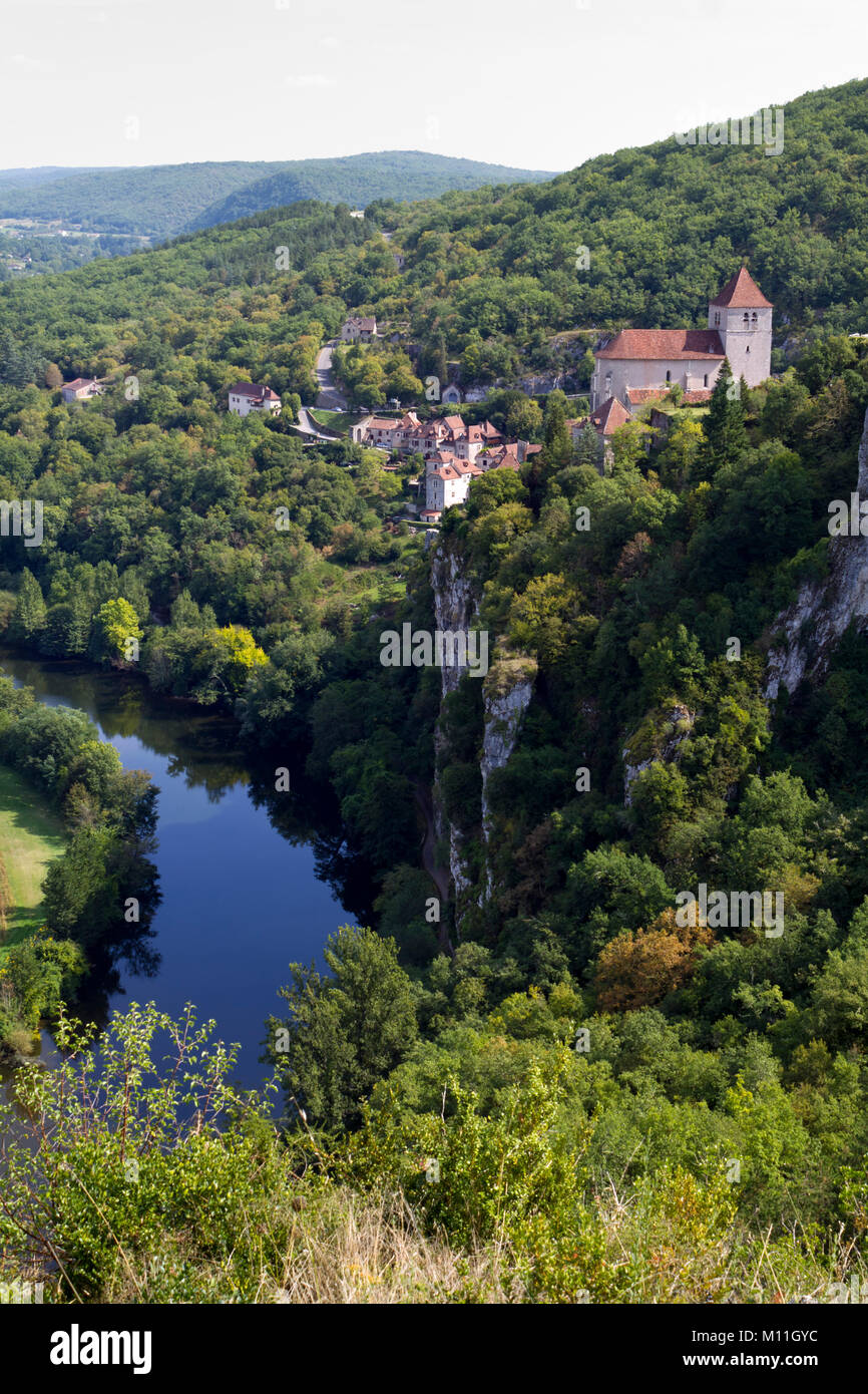 iew of historic St Cirq Lapopie and the River Lot,The Lot, Midi Pyrenees, France, Europe - Stock Image