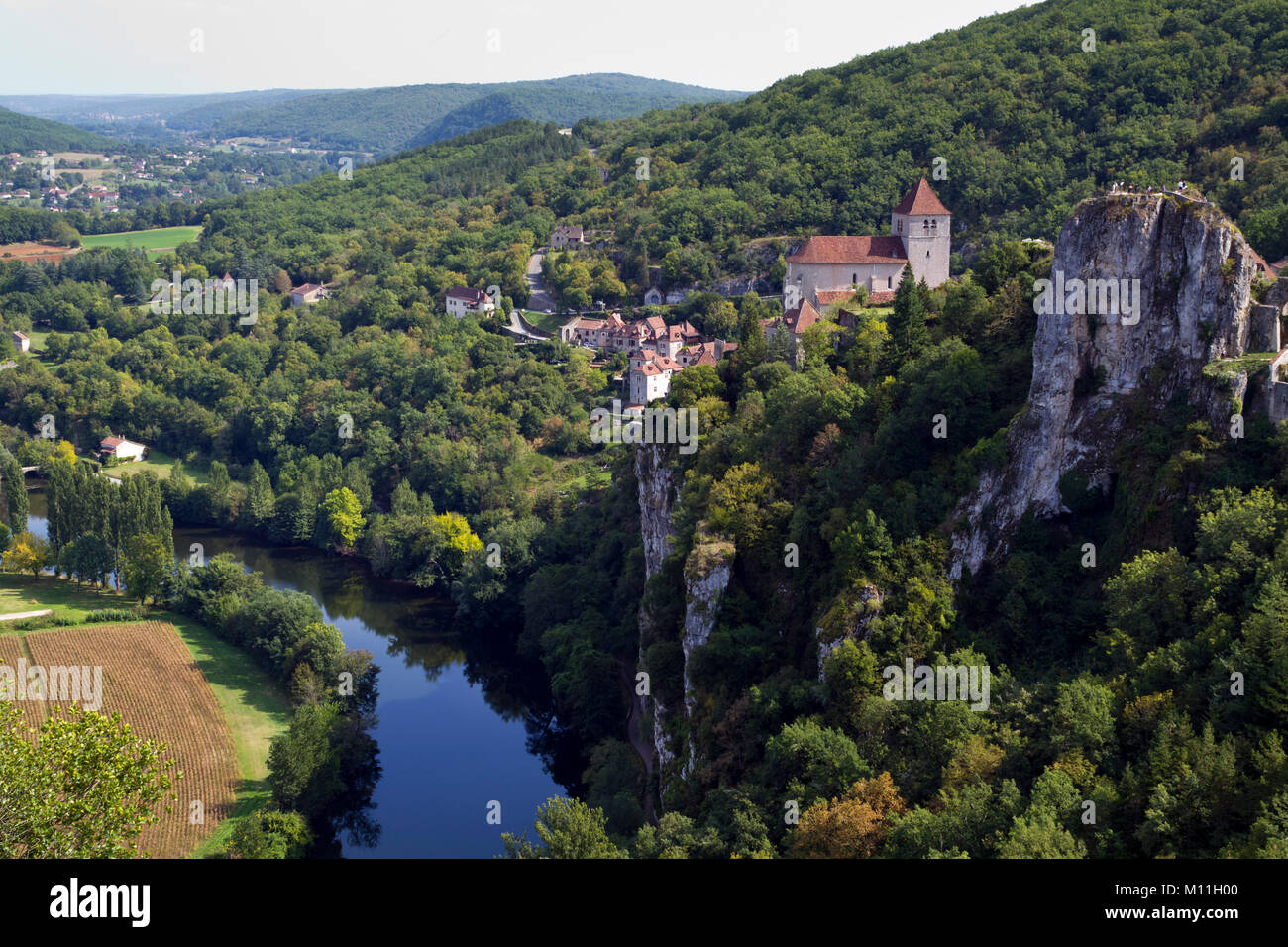 View of historic St Cirq Lapopie and the River Lot,The Lot, Midi Pyrenees, France, Europe - Stock Image