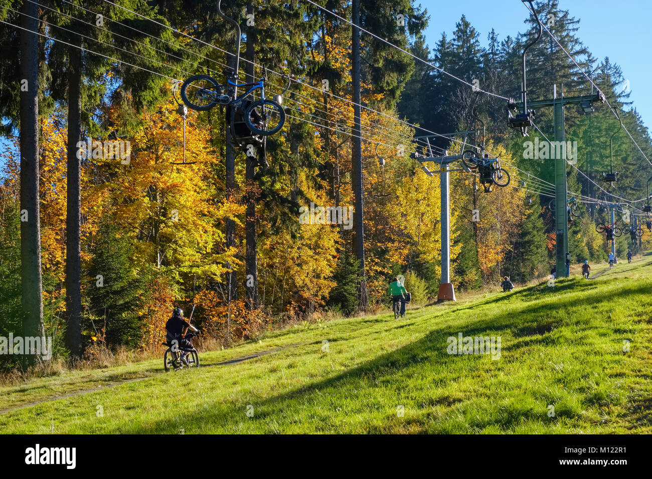 Lift with mountain bikers at the Geisskopf,near Bodenmais,Bavarian Forest,Lower Bavaria,Bavaria,Germany - Stock Image