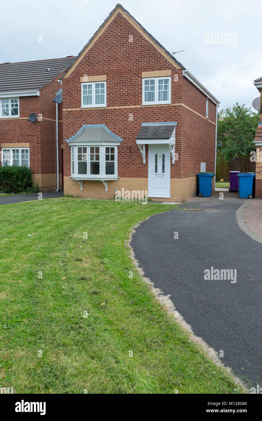 Typical modern three bed semi detached house. - Stock Image