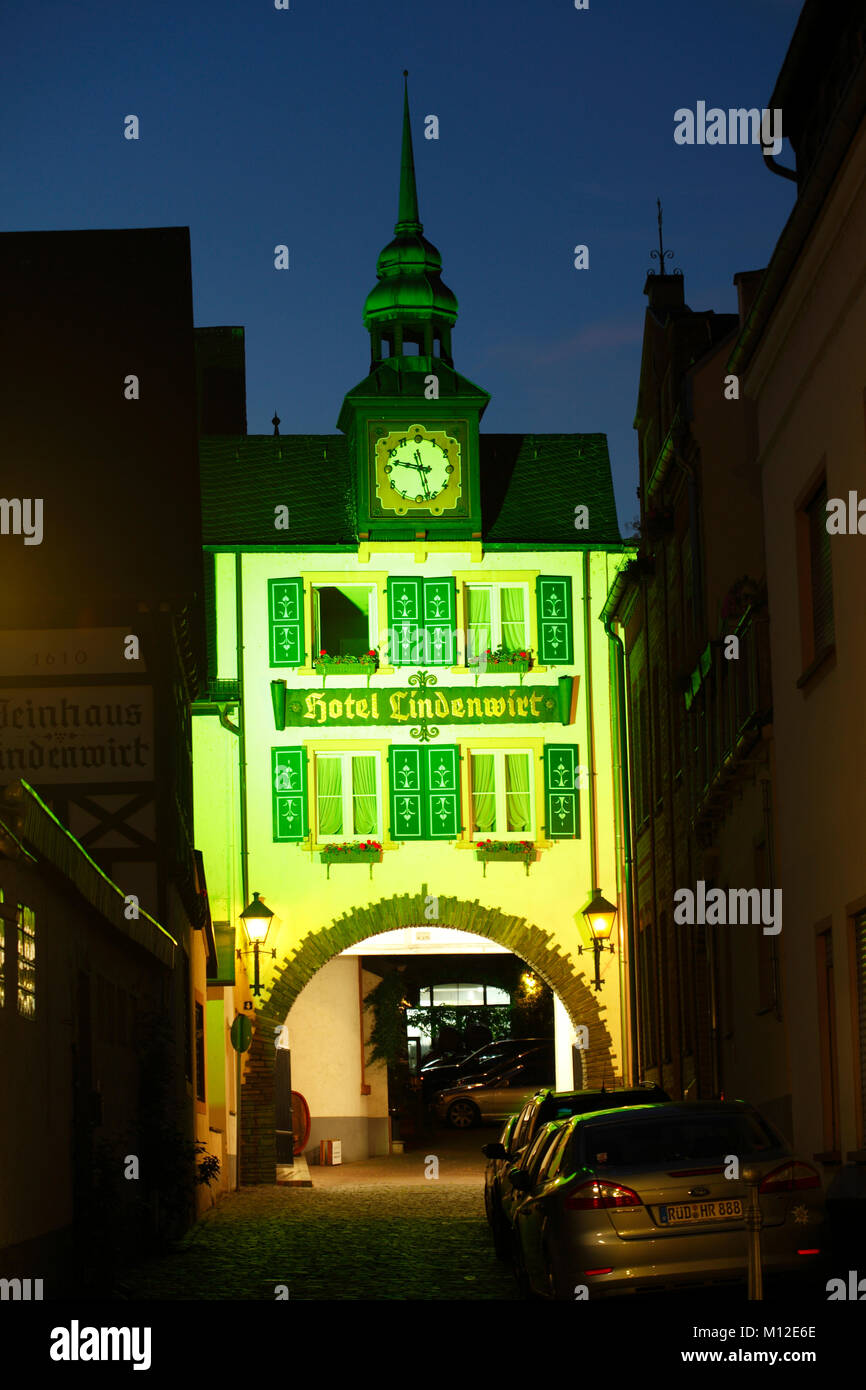 Old Gate from Hotel Lindenwirt at dusk, Rüdesheim, Hesse, Germany, Europe  I Altes Tor, Hotel Lindenwirt bei - Stock Image