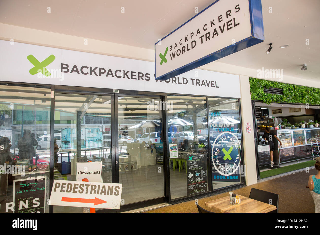 Travel agency Backpackers World Travel in Cairns city centre