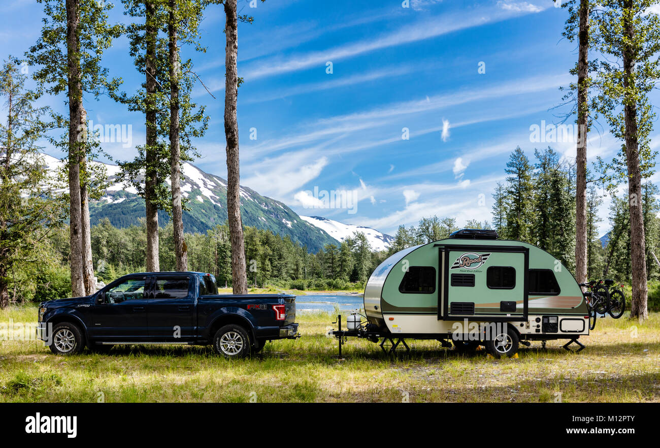 Camper in Portage Valley in Southcentral Alaska. - Stock Image