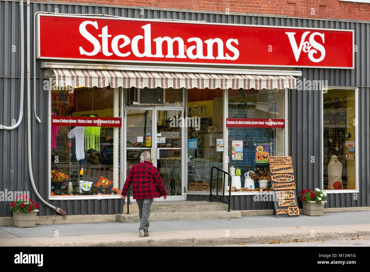 Canada, Province of Quebec, Outaouais, Pontiac Region, Shawville, Main Street, Stedmans General Store - Stock Image