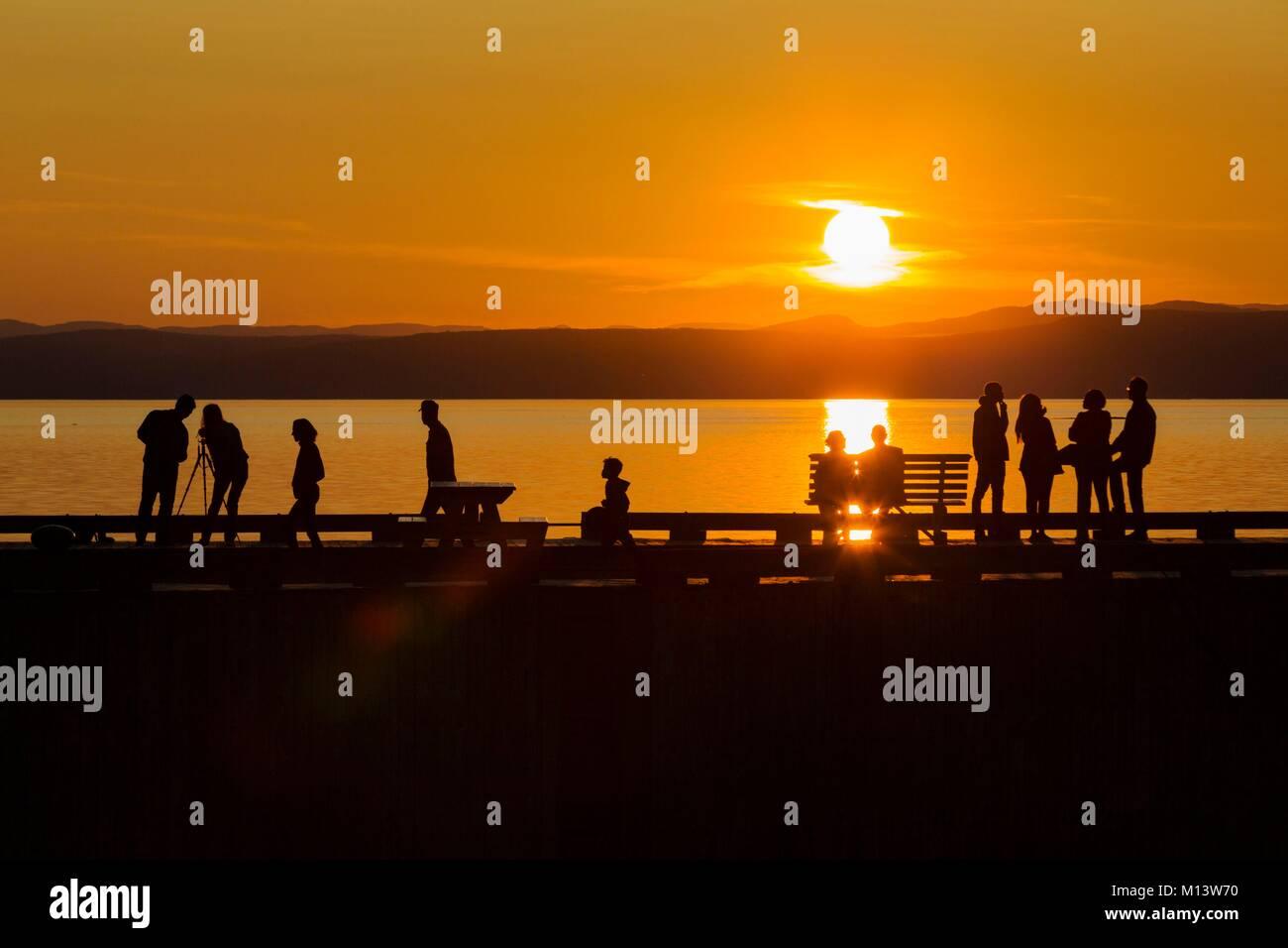 Canada, province of Quebec, Bas-Saint-Laurent region, Kamouraska, Miller quay at sunset, shadows - Stock Image