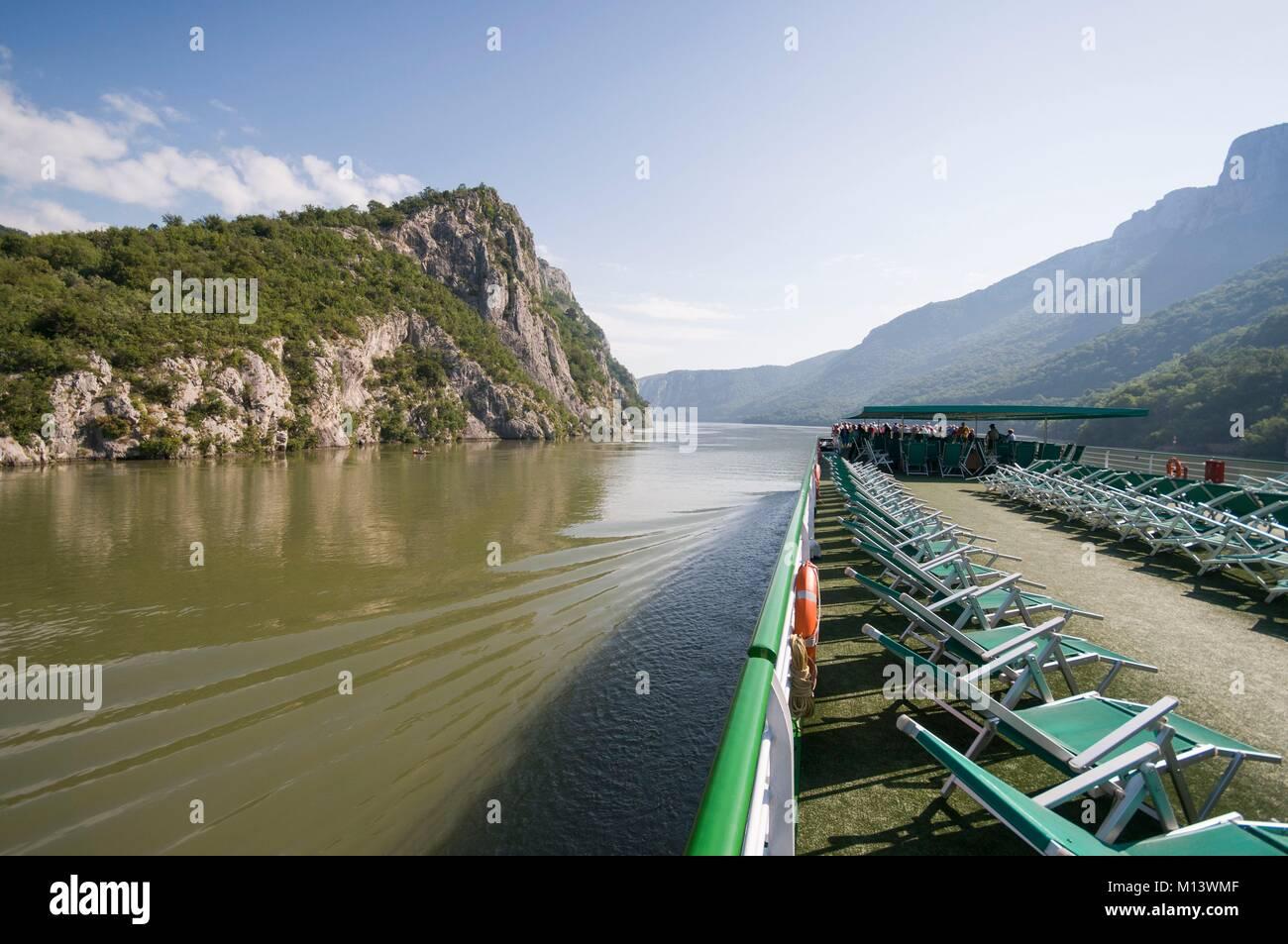 Romania, Iron Gates, Cruise on the Danube, Upper Deck, Left Romania, Right Serbia - Stock Image