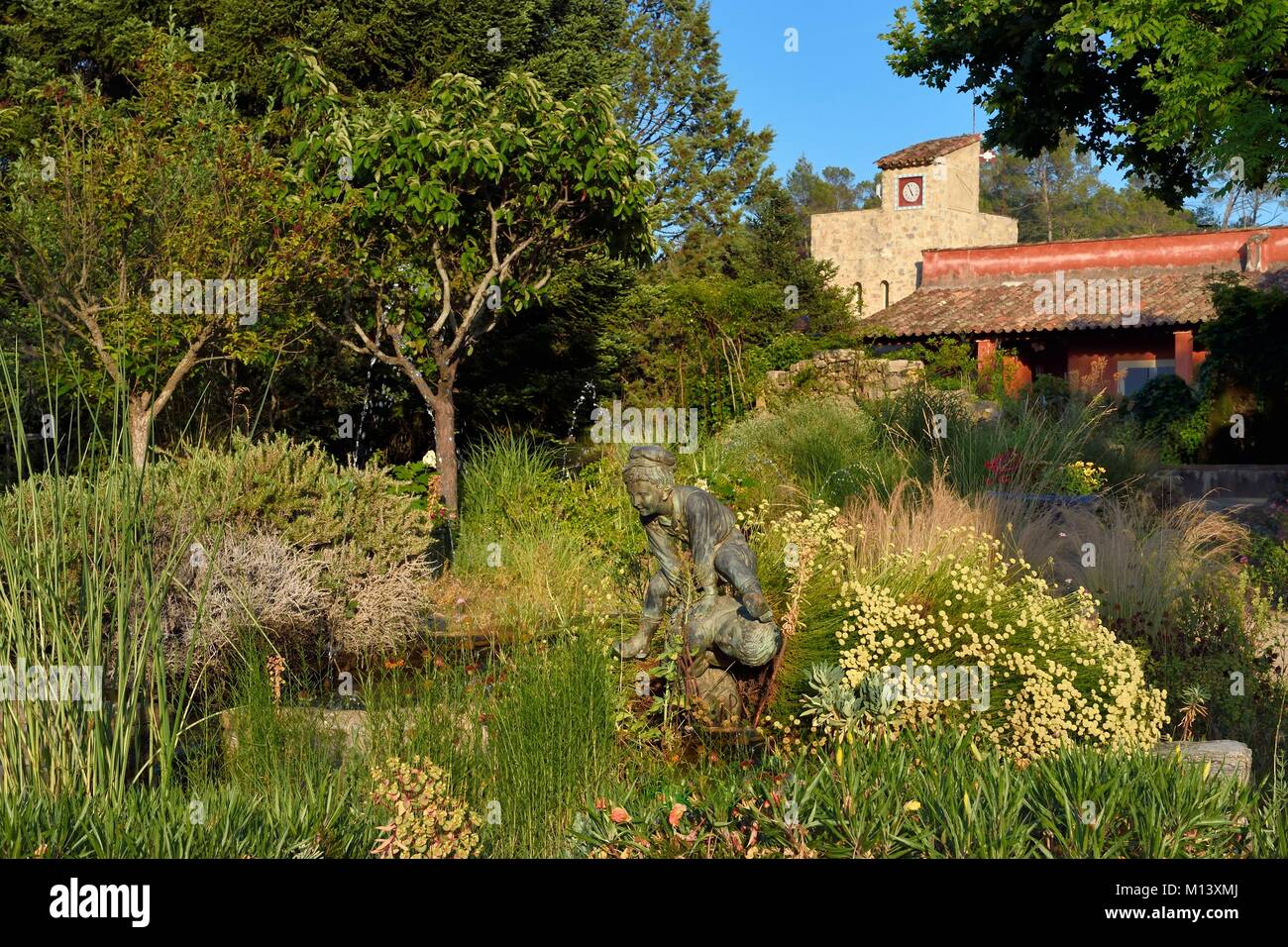 France, Var, Provence Verte (Green Provence), Bras village next to Saint Maximin, Le Peyrourier - une campagne en - Stock Image