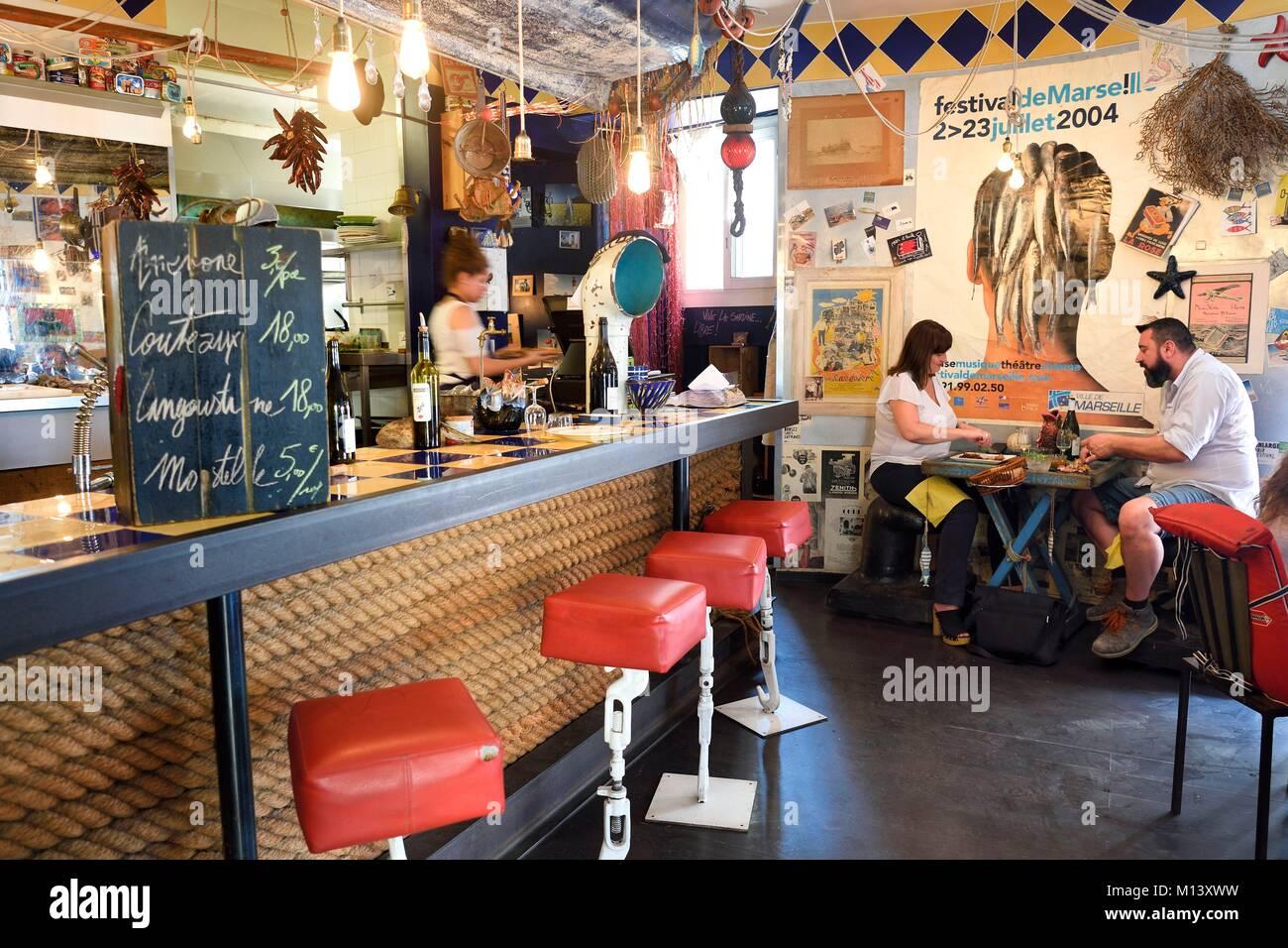 provence alpes cote d 39 azur restaurant stock photos provence alpes cote d 39 azur restaurant stock. Black Bedroom Furniture Sets. Home Design Ideas