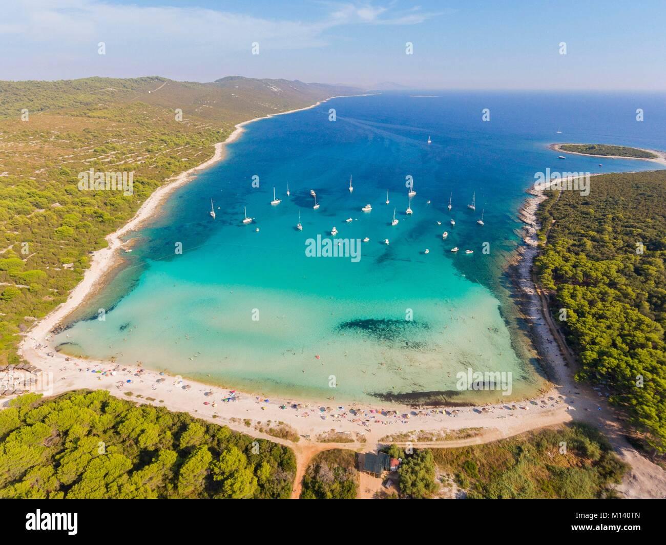 Croatia, North Dalmatia, Dalmatian coast, Zadar archipelago, Dugi Otok island, Sakarun beach (aerial view) - Stock Image