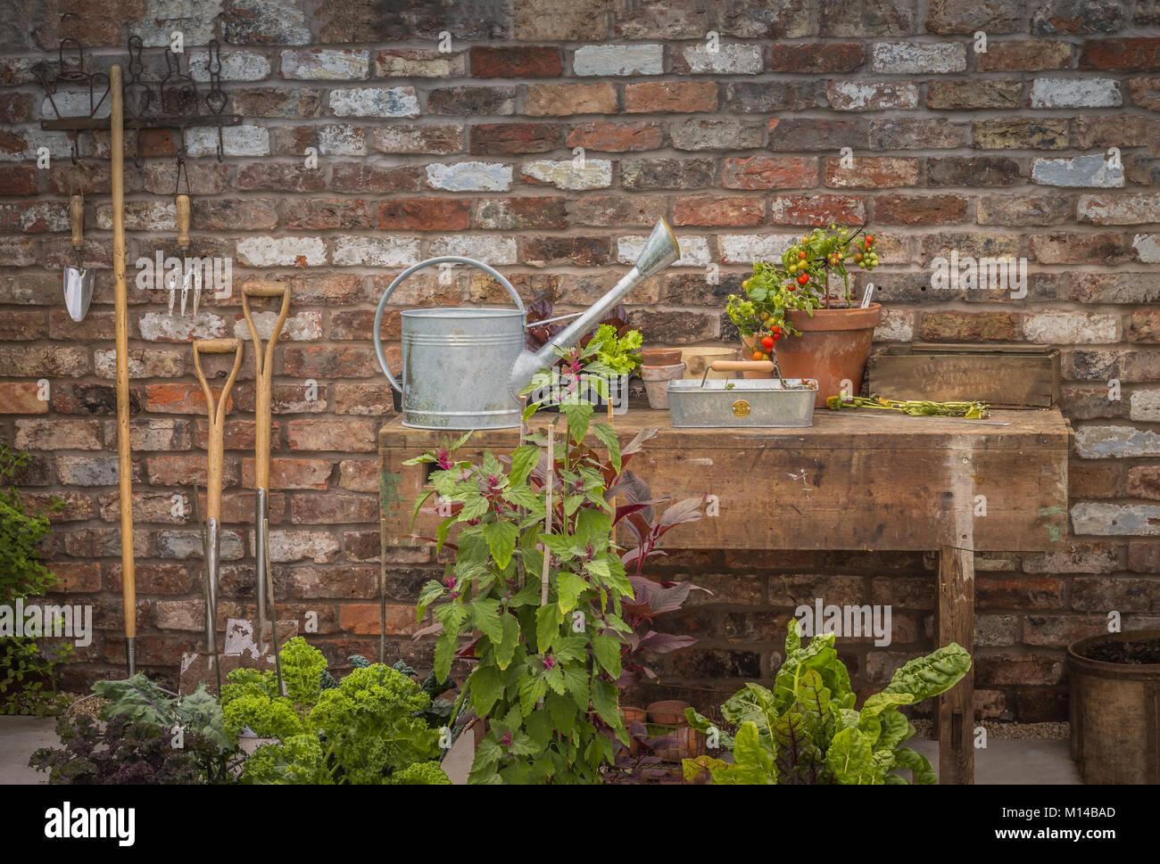 Vintage Garden Bench Stock Photos & Vintage Garden Bench Stock ...