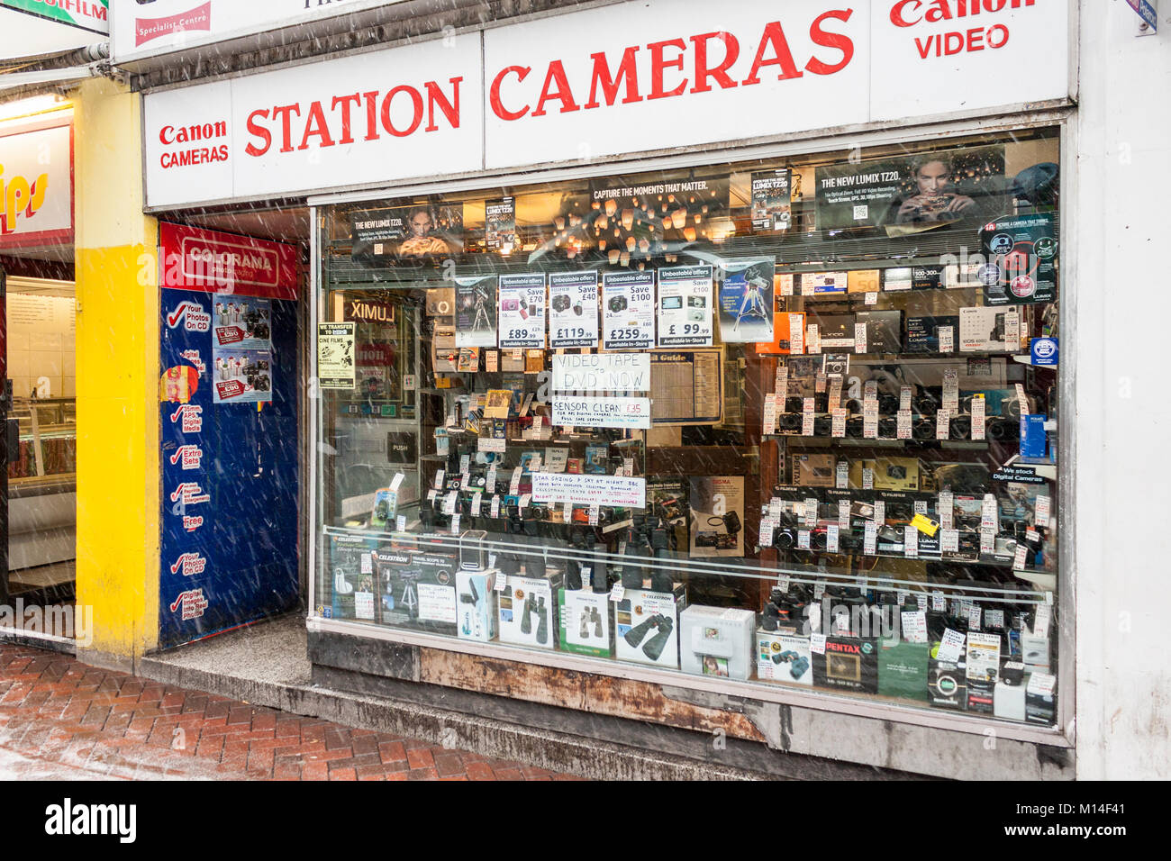 Station Cameras, a former independent camera store. Reading, Berkshire, England, GB, UK - Stock Image
