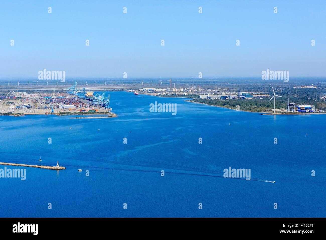 France, Bouches du Rhone, Gulf of Fos sur Mer, Fos sur Mer (aerial view) Stock Photo