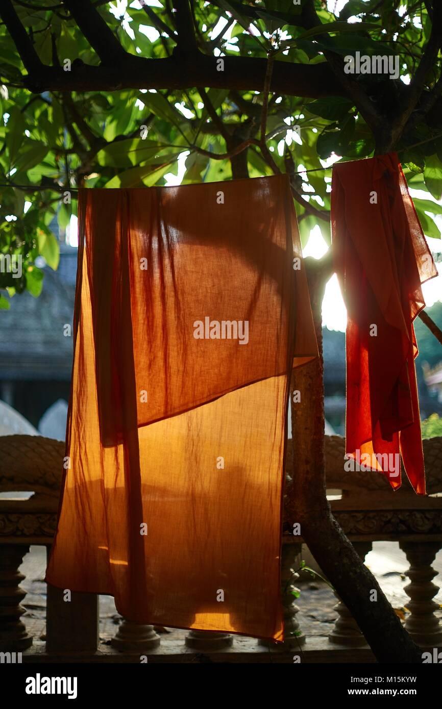 Kesa (monk clothes) cloth, Wat Sangker, Battambang, Cambodia - Stock Image