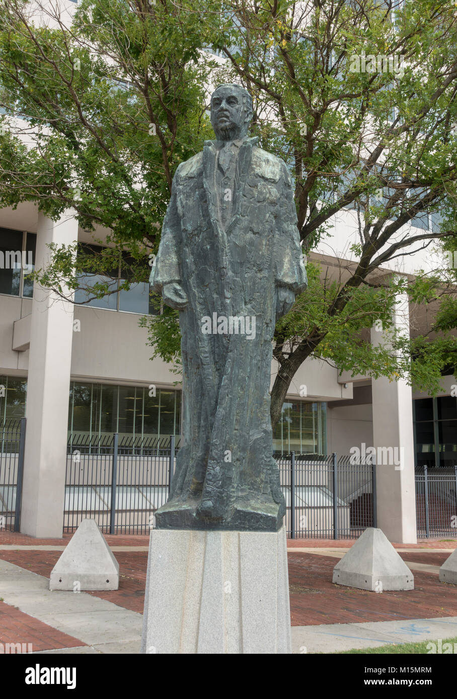 Thurgood Marshall statue by Reuben Kramer (1979) in Baltimore, Maryland, United States. - Stock Image