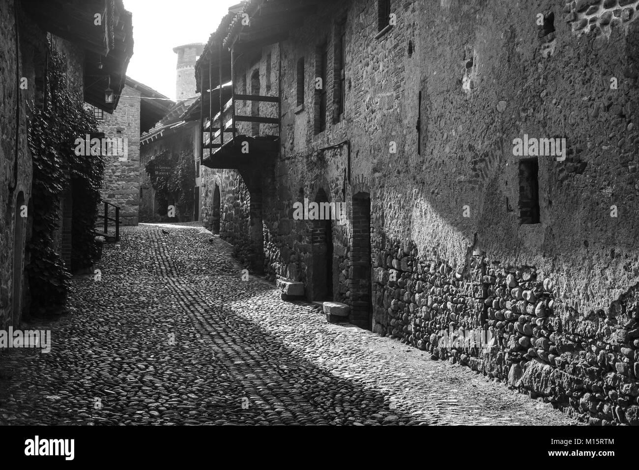 Door detail in Ricetto di Candelo, Biella, Italy - Stock Image