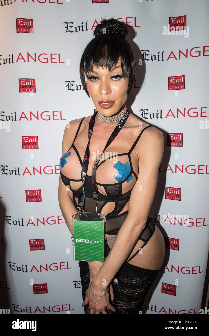 Фото транс миа изабелла #10