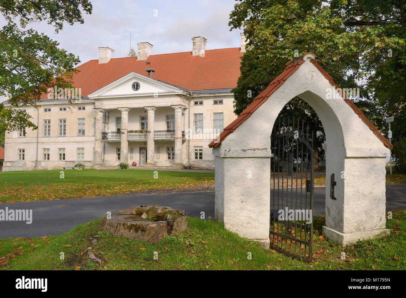 Last August, the manor of Hannibal in Kobrin burned down 23