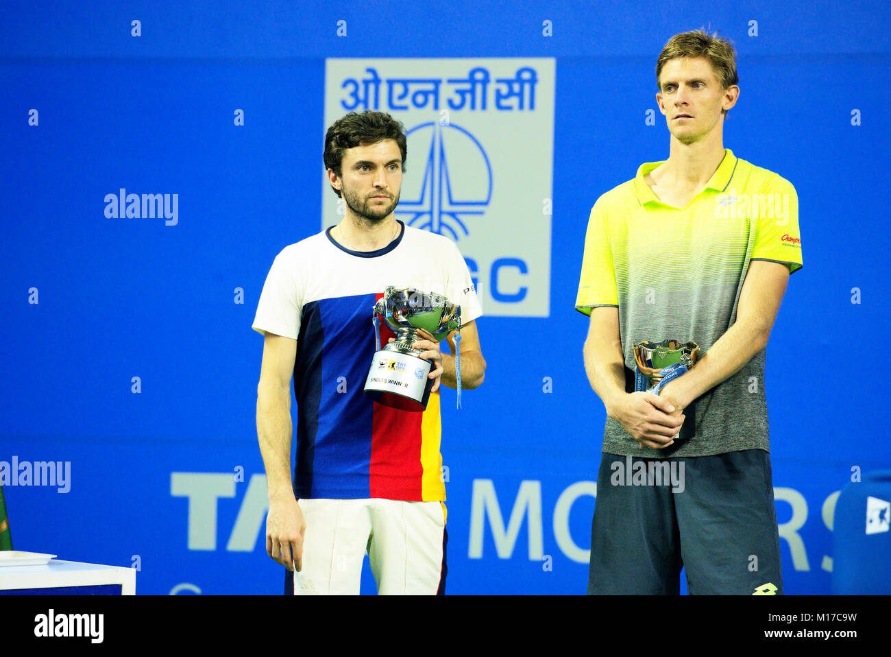 Pune, India. 6th January 2018. Gilles Simon of France and Kevin Anderson of South Africa after the finals at Tata Stock Photo