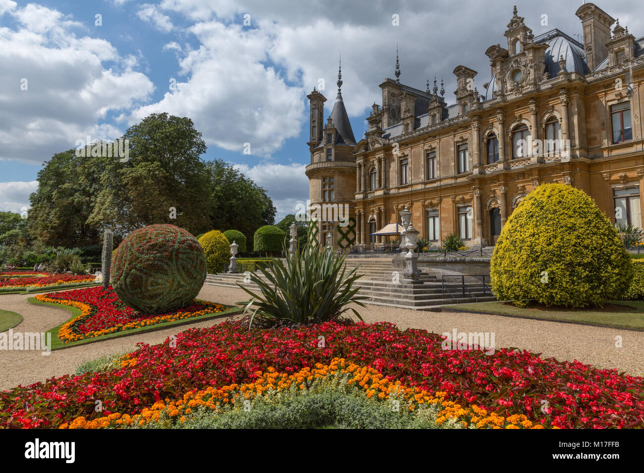 Parterre Planting Stock Photos & Parterre Planting Stock Images - Alamy