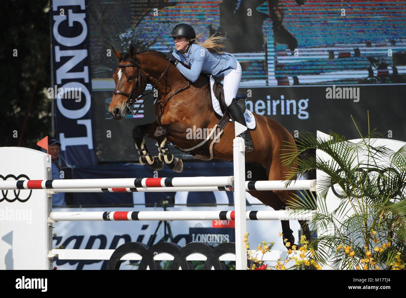 Guadalajara, Jalisco, Mexico. 27th January, 2018. CSI 4*, Longines World Cup, Sarah Scheiring (USA) riding Dontez. Stock Photo