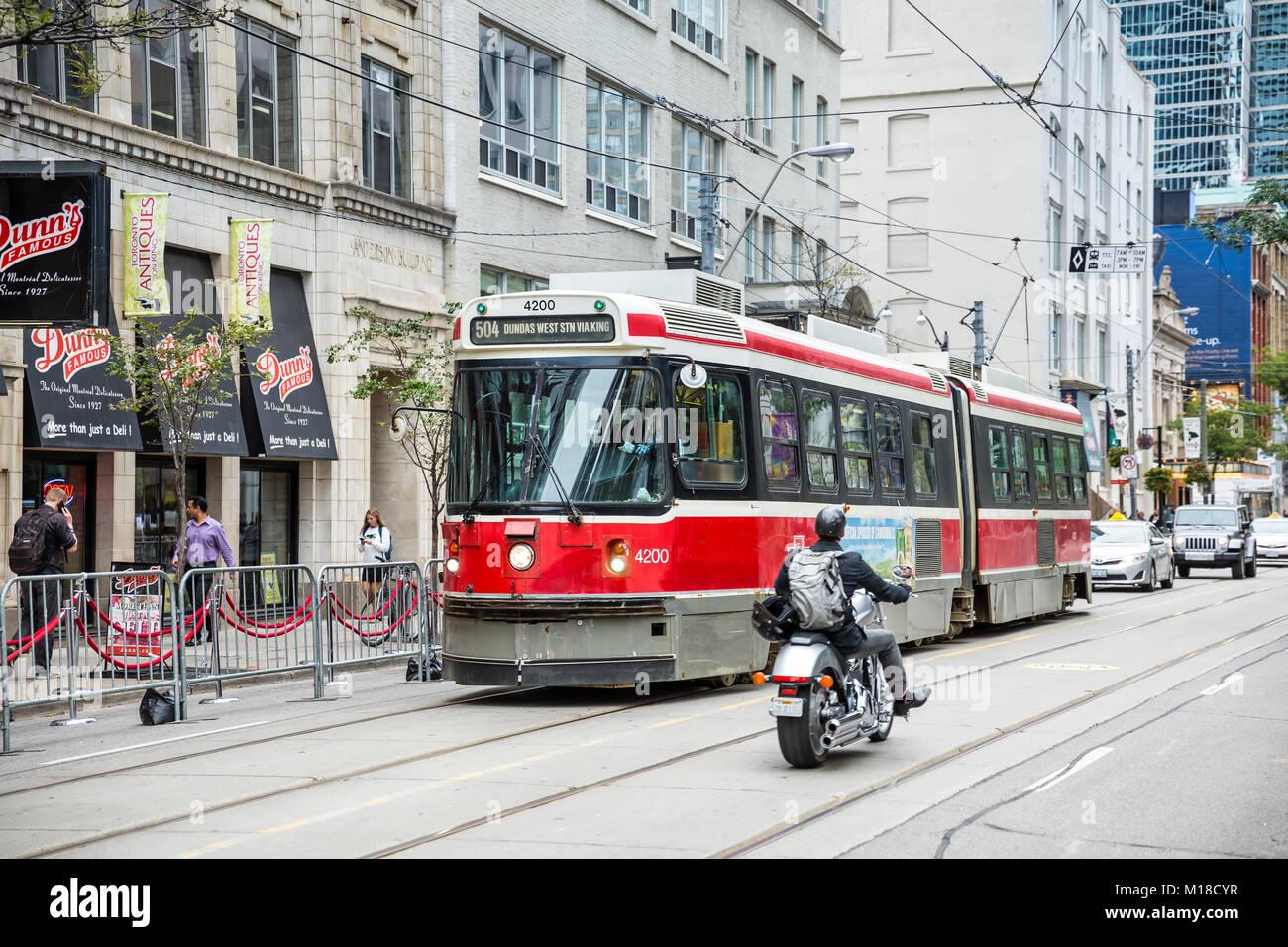 Streetcar in downtown Toronto, Ontario, Canada. - Stock Image