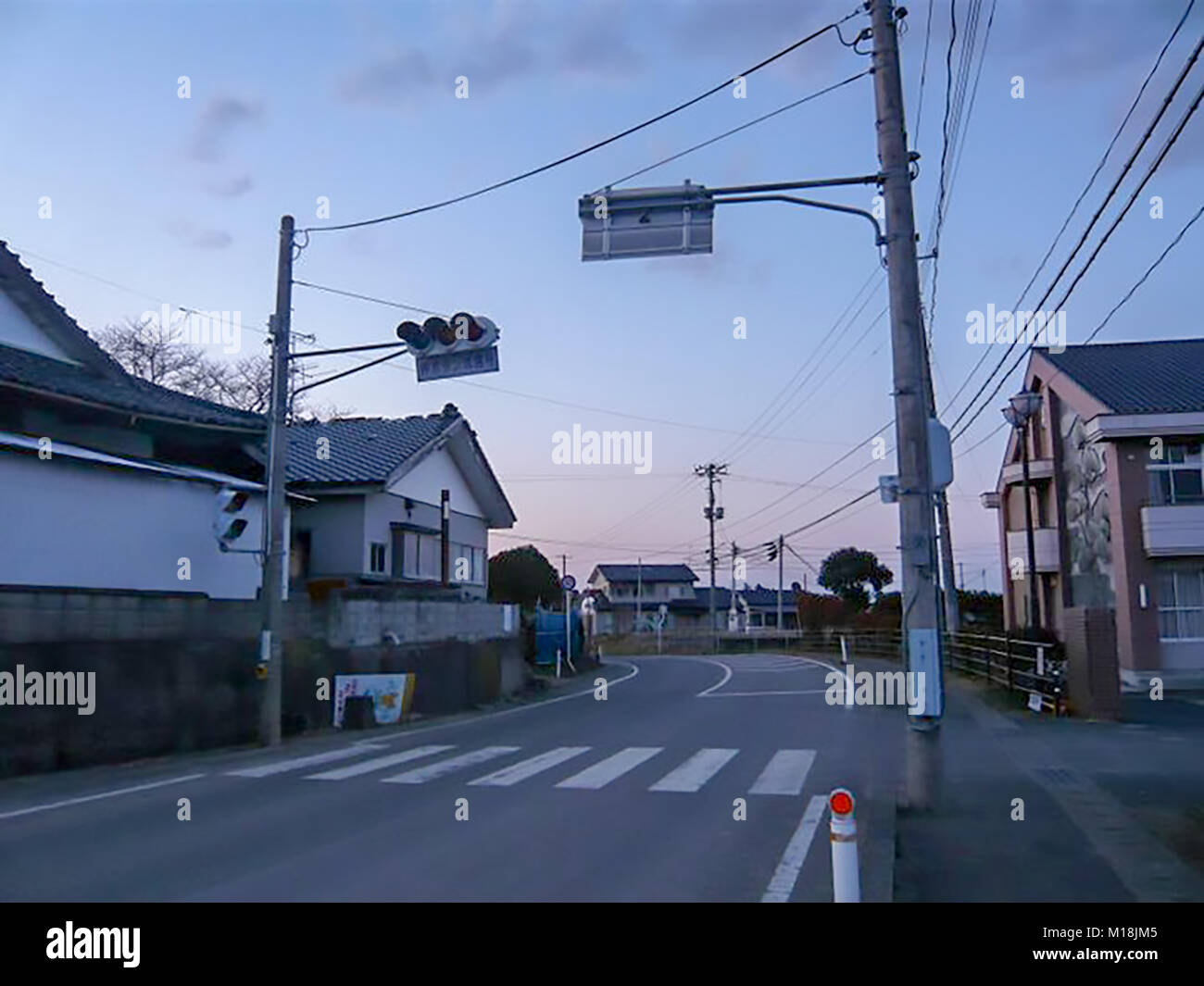 18 March 2011 Because this residential area, Isobe District in Soma, Fukushima, is located on higher level thought - Stock Image