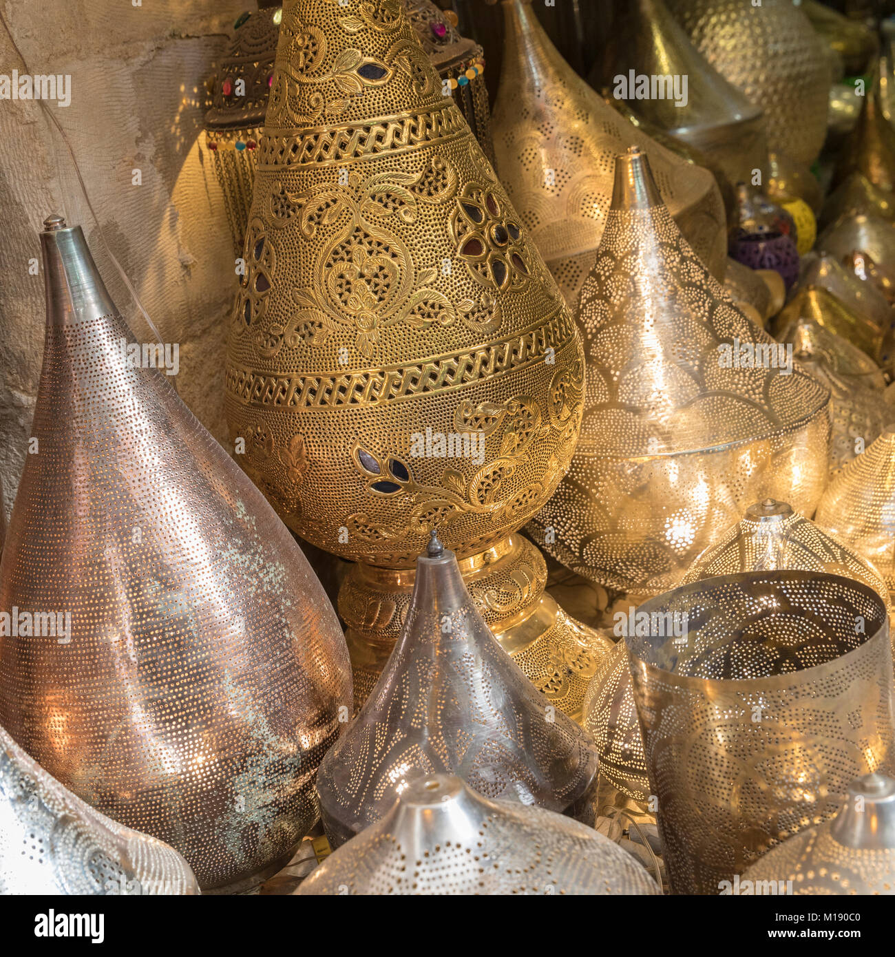 Brass lamps for sale in Sharia Al Moez L'din Allah Al Fatmi street in Fatimid Cairo - Stock Image