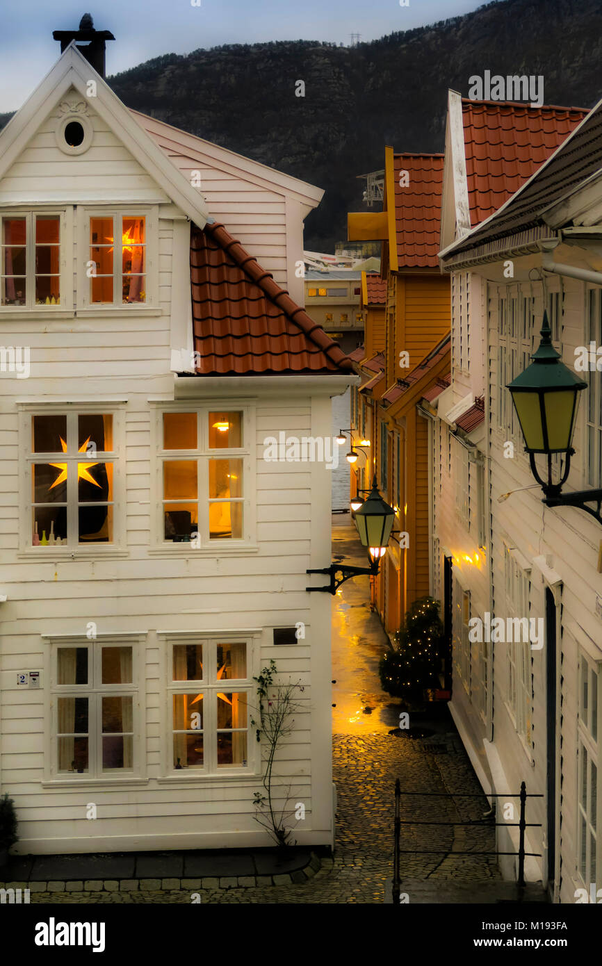 Typical wooden house looking 'hygge' (cosy) with Nordic Christmas star lanterns, on Tvedtegarden, Sliberget - Stock Image