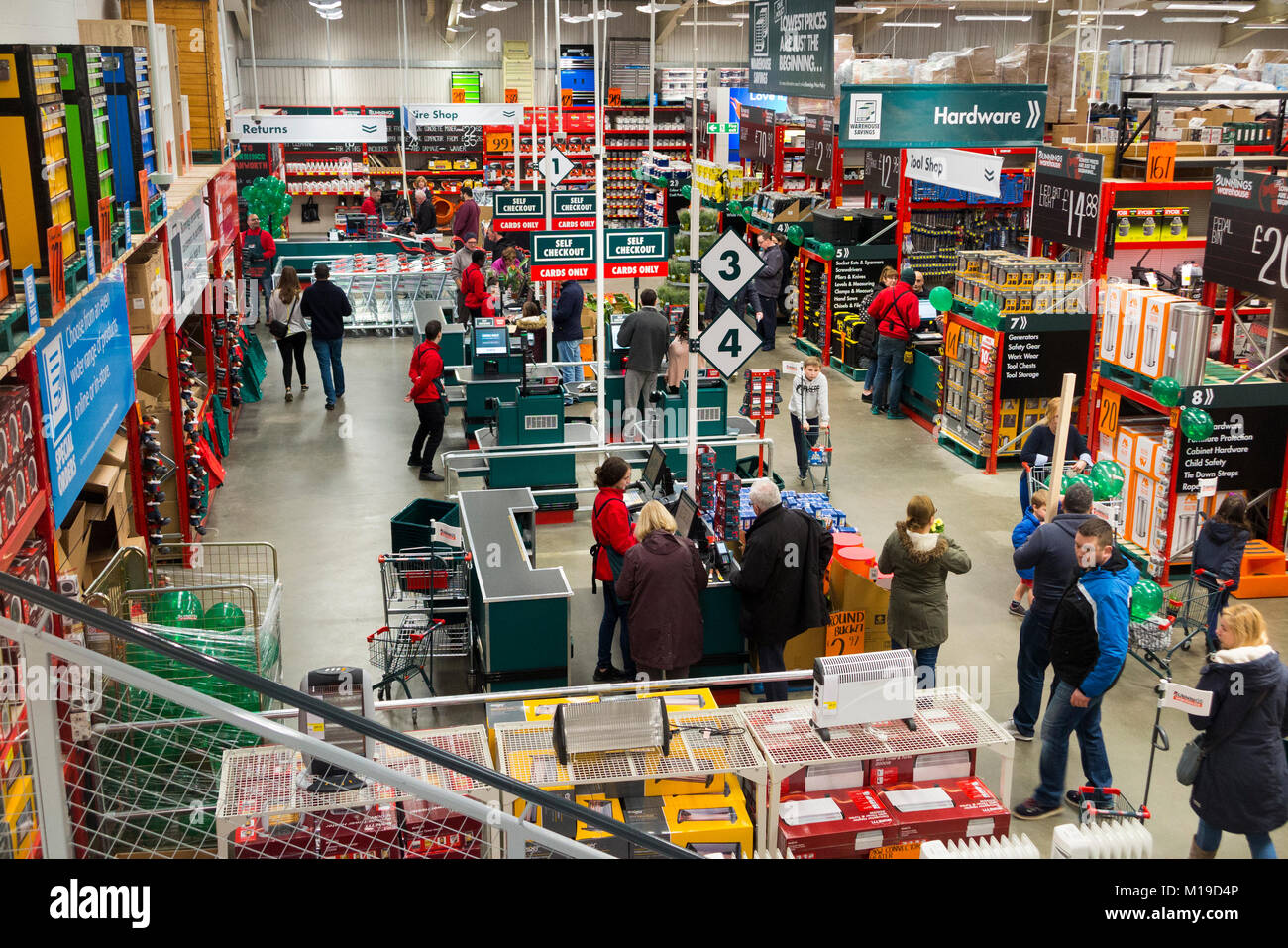 General interior view inside a new UK Bunnings Warehouse DIY super store and trade / domestic home improvement shop - Stock Image