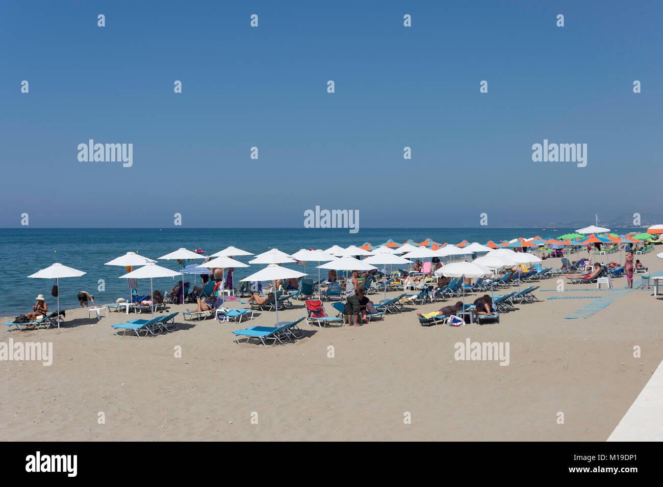 Beach and promenade, Ari Velouchioti, Rethymnon (Rethimno), Rethimno Region, Crete (Kriti), Greece Stock Photo