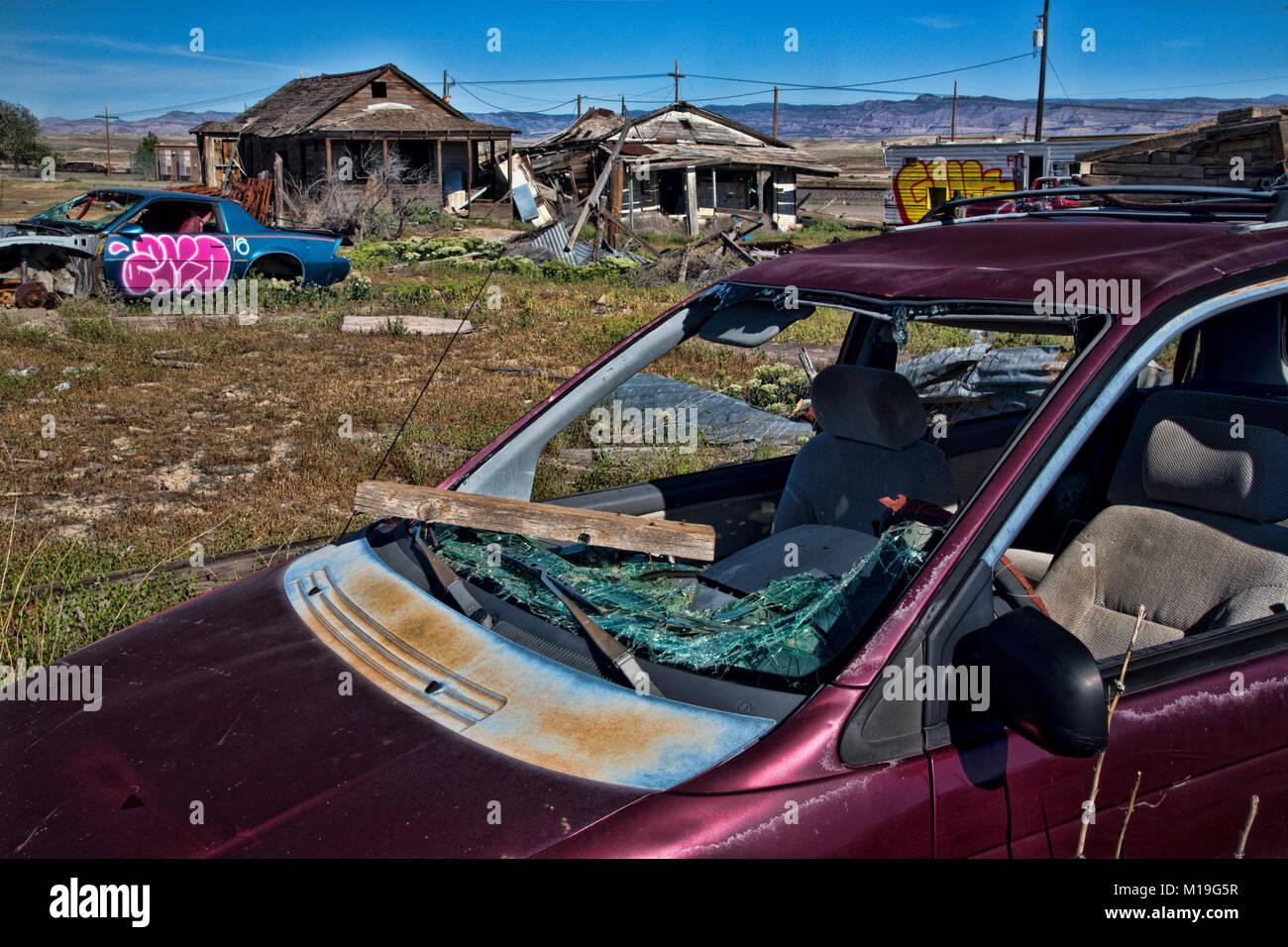 Wen2k Com Junk Yard Salvage Yard Auto Repair Garage: Junk Yard Car Stock Photos & Junk Yard Car Stock Images