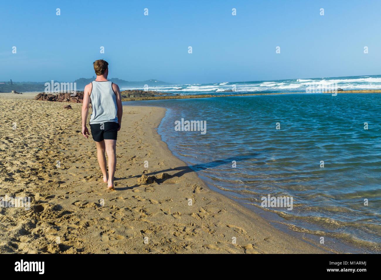 Tidal swimming pool stock photos tidal swimming pool stock images alamy for Waves swimming pool whitley bay